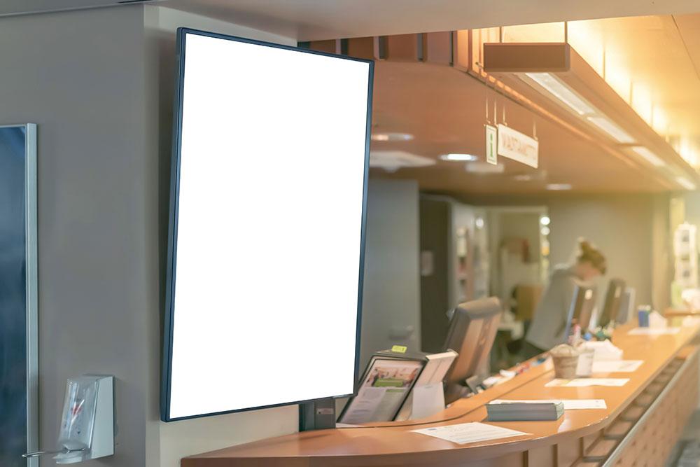 Kundenempfangsbereich mit bildschirm