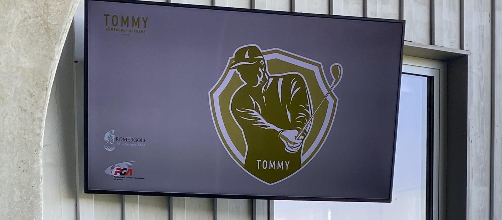 Digital Signage System mit Tommy Neureiter Golfschule
